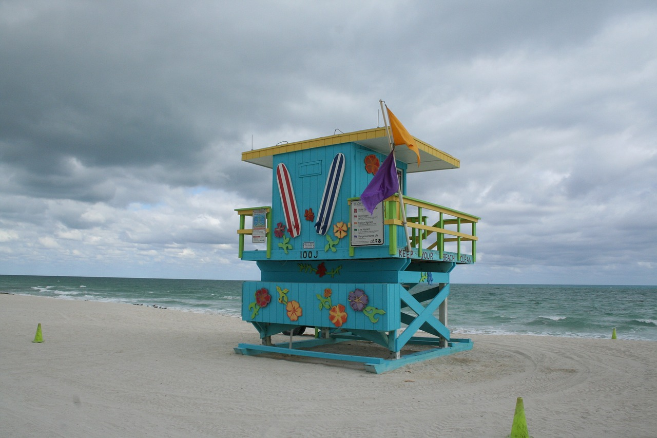 Had enough of winter yet? Then I guess that you will definitely need a Weekend Getaway so go to Miami Beach, FL.