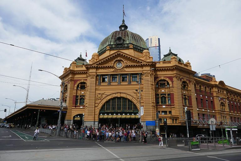 Flinders station and How to get around Melbourne